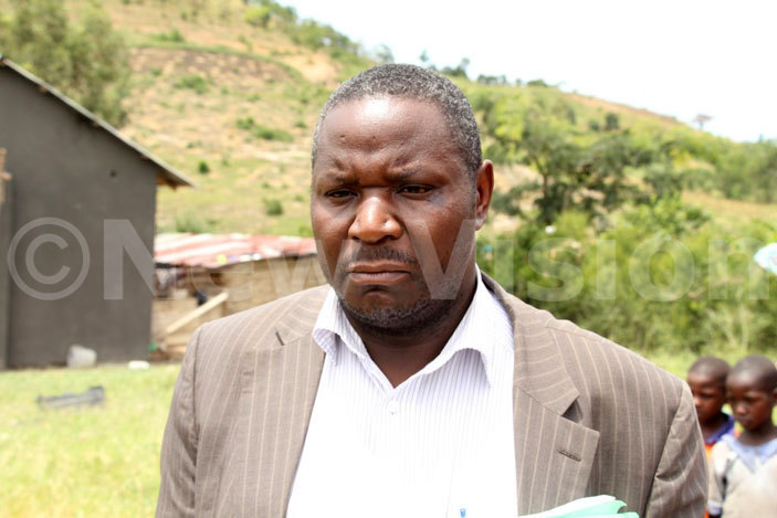 buaker utaaya the istrict ducation fficer during the operation