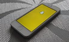 Snap files for $3bn IPO but offers investors no profit promise or voting rights