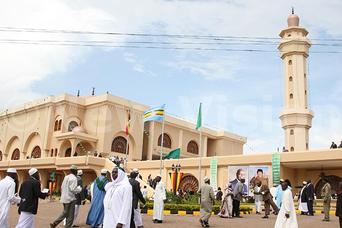 ld ampala ational mosque 190308