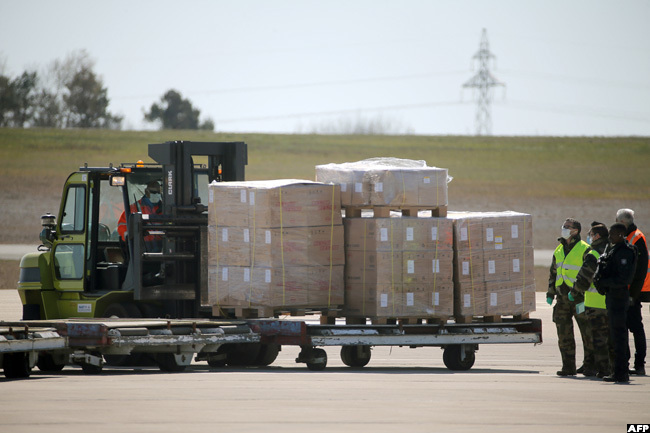 10 million face masks ordered by rance from hina arrived at the arisatry irport in ussyettree eastern rance