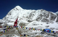 First climbers summit Everest after deadly disasters
