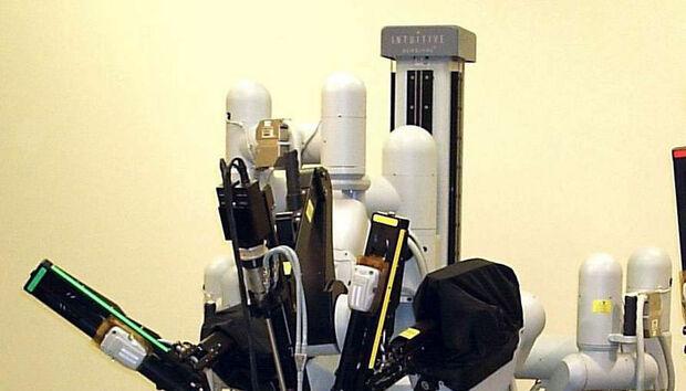 laproscopicsurgeryrobot100648054orig
