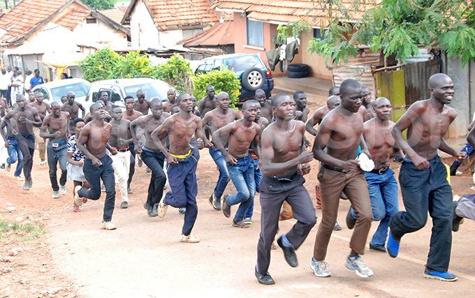 hopefuls taking part in a 4km run during the recruitment exercise in ctober last year ile hoto