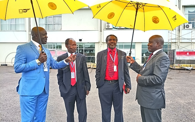 inister usa cweru left and  president ames kena were at the airport to witness the return of the remains hoto by rancis morut
