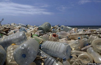 Using sunlight to break down plastic for electricity