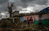 Four dead, 195 injured in Havana tornado