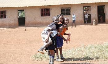 Refugee school 350x210