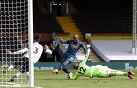 Rampant Arsenal crush Fulham as Premier League returns