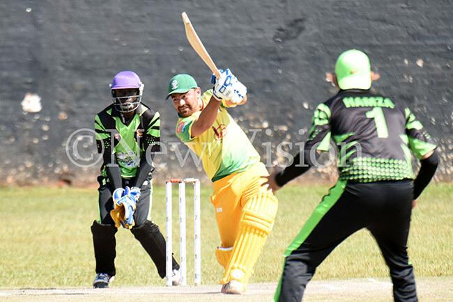 ziz amanis aud slam batting against the hallengers hoto by ichard anya