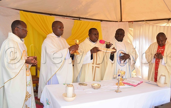 atholic priests during the ucharistic celebration