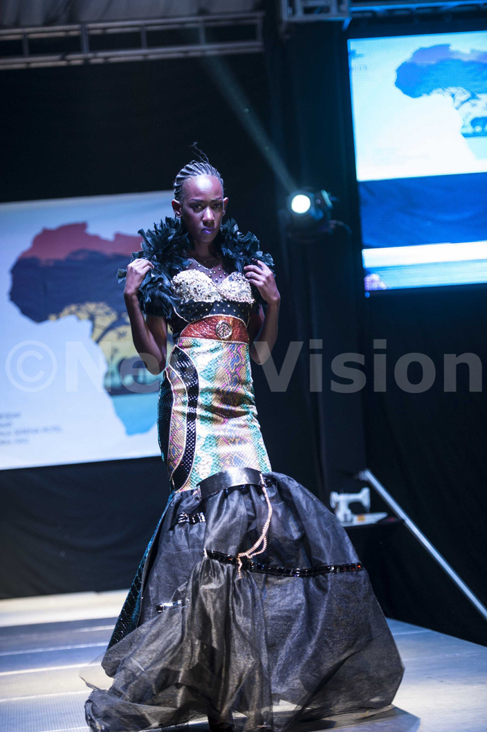utfit by  aphael at the frica ay celebrations at erena