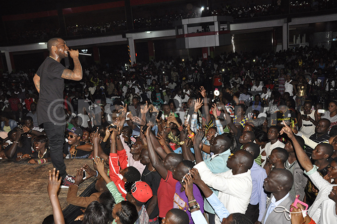 avido performs at the 30 illion oncert at the earl of frica otel in ampala