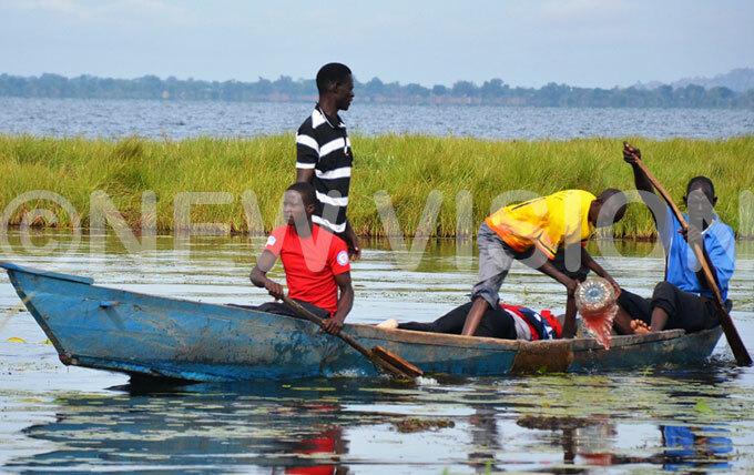 he body of nyait being retrieved from ake isina