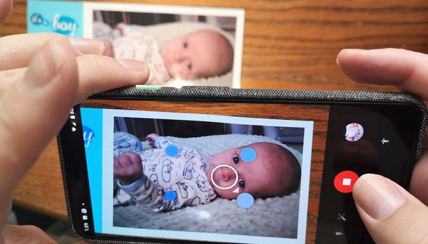 How to save money and scan your photos digitally using your phone and Google PhotoScan