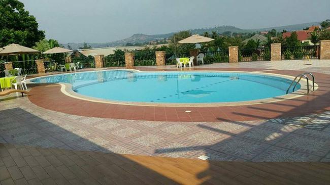 swimming pool in a home at uyenga