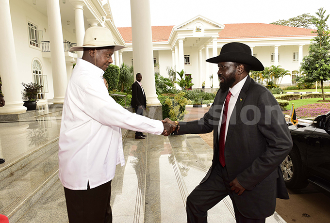 resident owei useveni meeting outh udan resident alva iir ayardit at tate ouse ntebbe in uly 2019