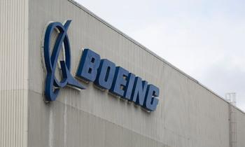 Boeing 350x210