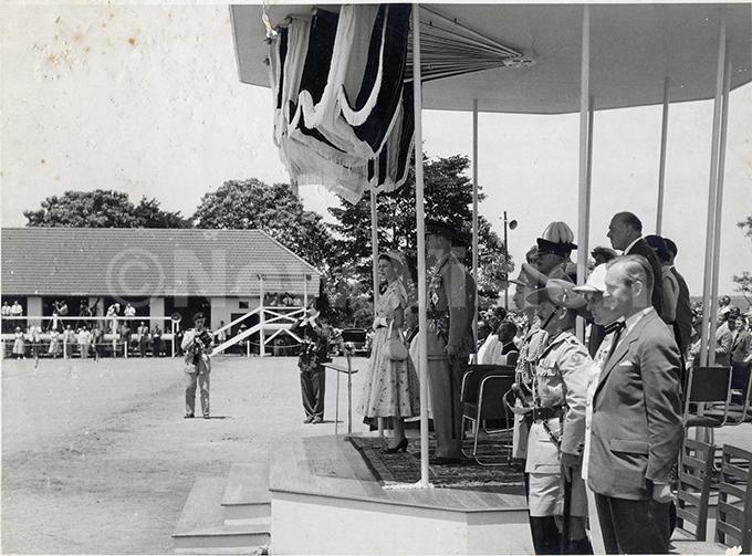 ueen lizabeth during her visit to inja in 1954