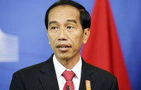 Indonesia traffic jam forces president to walk