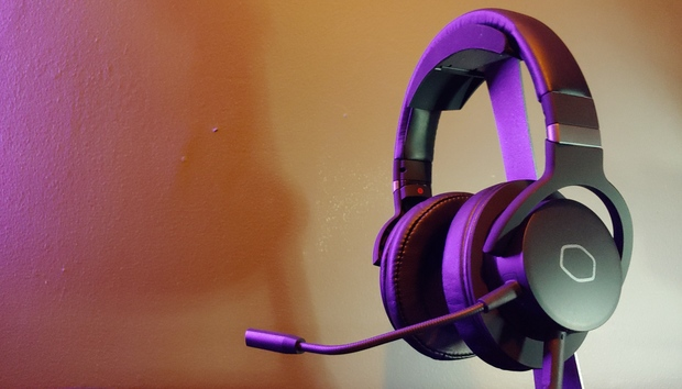 Cooler Master MH752 review: The HyperX Cloud's stiffest competition is its own long-lost sibling