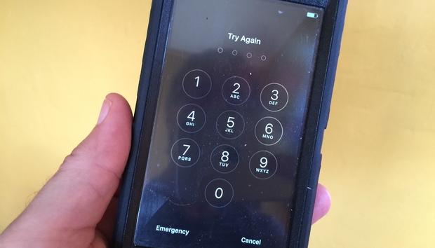 lockediphone100646516orig