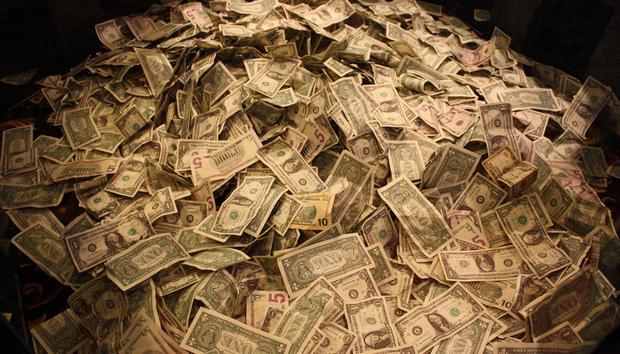 moneypile100252669orig