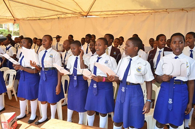tudents from aptist igh chool itebi leading the singing during the ass