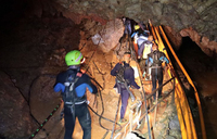 Rescue efforts for boys trapped in Thai cave begin