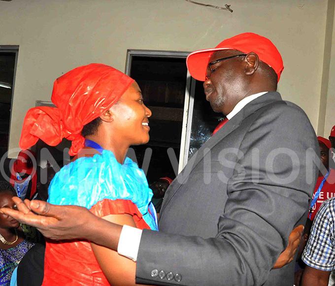 eader of pposition innie iiza  congratulates  muriat