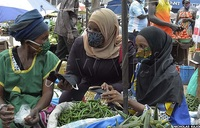 COVID-19: Nakasero market vendors receive masks