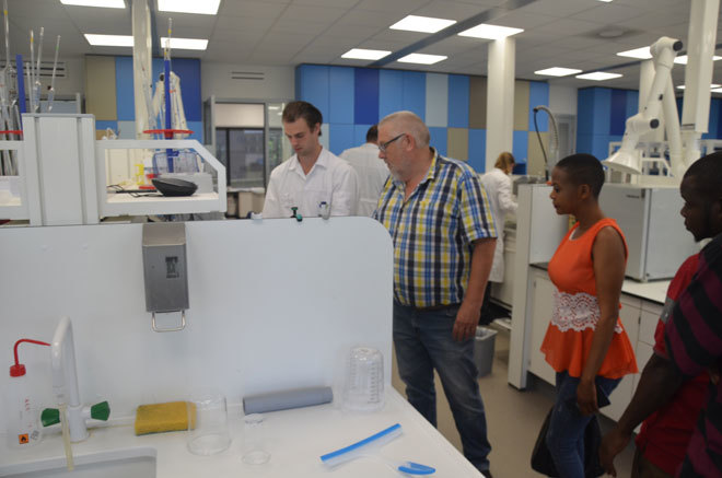 he farmers had a tour of e heus feeds testing laboratory in ijmejin etherlands