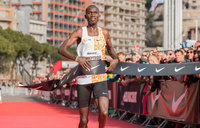 Cheptegei smashes 5km world record  in Monaco
