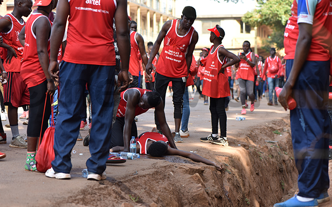 ome of the runners got exhausted and required some help