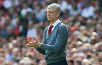President Weah award former coaches Wenger, Le Roy