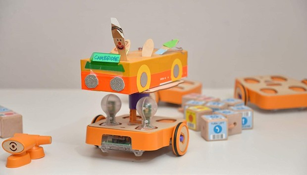 KinderLabs Robotics Kibo robot kit can help teach younger kids to code, no screens required