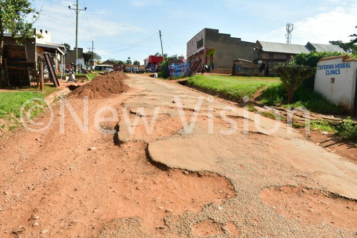 dilapitated road in banda municipality