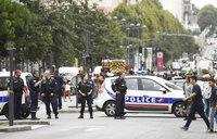 Suspected bomb lab found near Paris