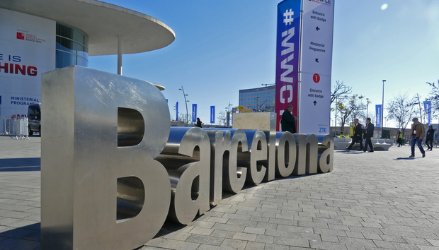 20160220mwcbarcelonasign2100645905orig