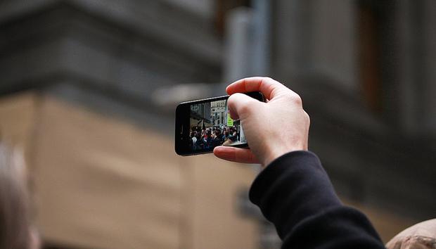 mobile-protest