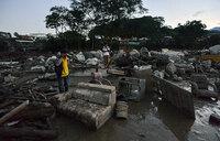 Colombia mudslides kill more than 200