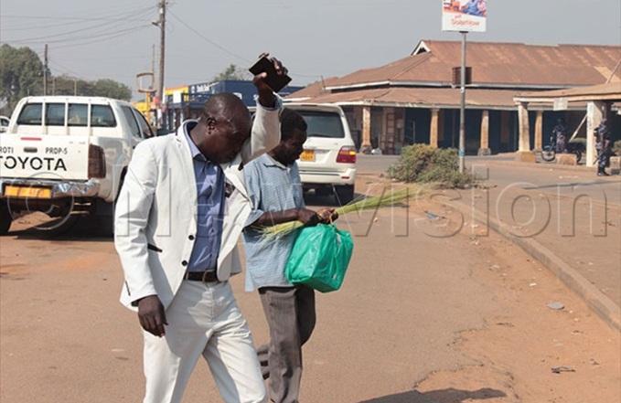 oroti mayor aul mer  flees from tear gas
