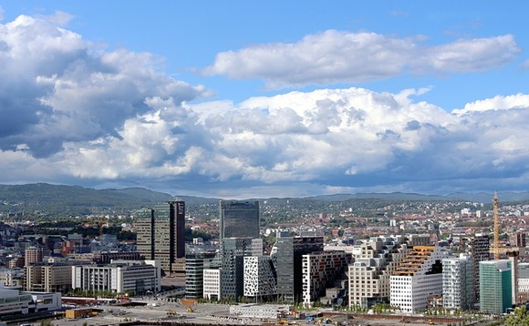 Flows head to fixed income in Norway