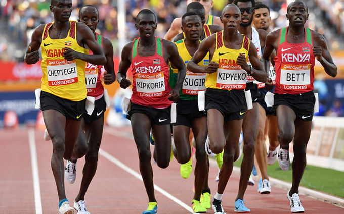 oshua heptegei during the athletics mens 5000m finnal during the old oast ommonwealth ames  ile photo