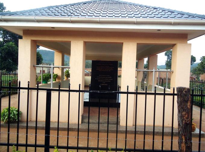 wamata eroes monument in iboga district