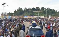 Museveni sympathises with Ugandans and Rwandans at Katuna
