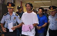 Judge orders Ronaldinho to remain in prison