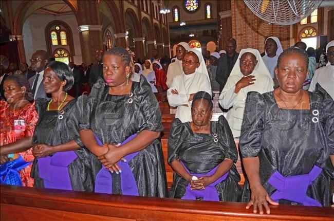 ishop sentongos relatives during the funeral mass