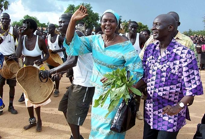 nywar welcomes lara tunnu to itgum oma ground in anuary 2005 ile hoto