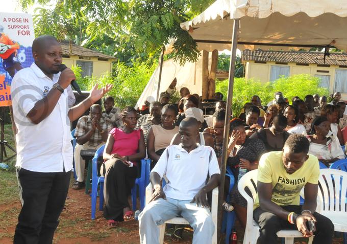 vice president arius ugoye  addresses the gathering hoto by onald iirya