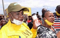 Commotion as Maama Fiina, Full Figure carry sh8m to New Taxi Park